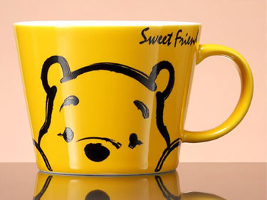Custom disney ceramic mugs manufacturers Yellow winnie the poon ceramic coffee mugs with logo