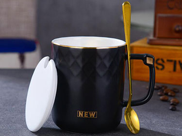 Wholesale black reusable coffee mugs with diamond handle nordic minimal ceramic mug